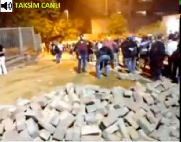 4-6-2013-taksim-attack-23